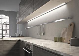 LUISINA - Flash - Réglette LED 15W à poser coloris Aluminium - 900 mm